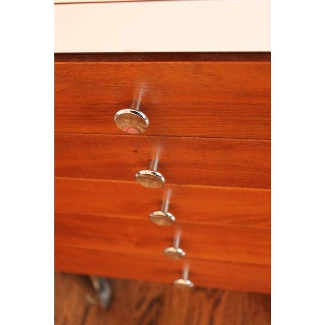 Vintage Rosewood 5-Drawer Cabinet on Casters - Image 6 of 9