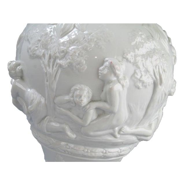 White Capodimonte Italian Porcelain Urn - Image 4 of 10