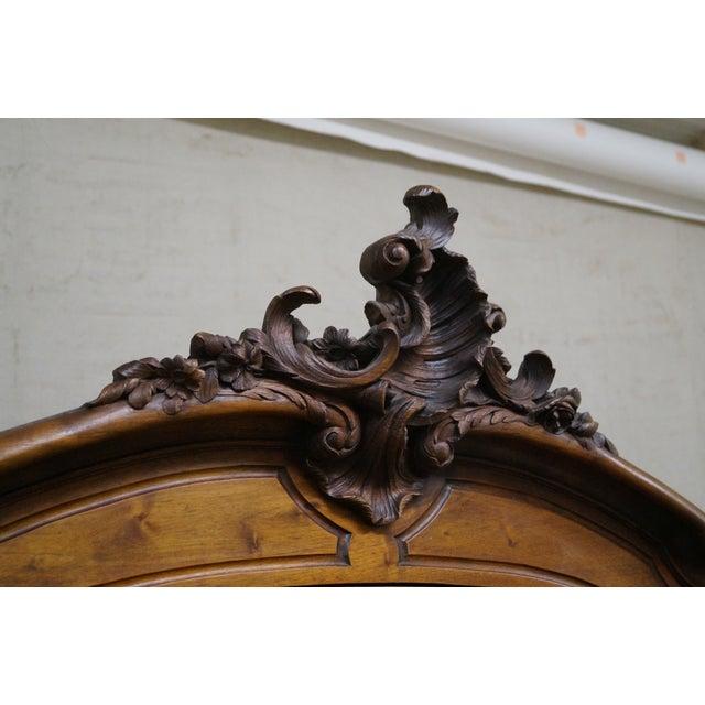 Antique 19th Century Louis XV Walnut Curio Cabinet - Image 7 of 10