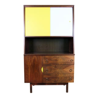 Stanley Mid-Century Modern Hutch China Cabinet