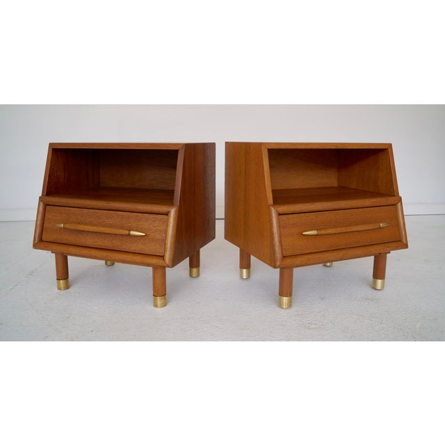 Image of Brown Saltman Mahogany Nightstands - A Pair