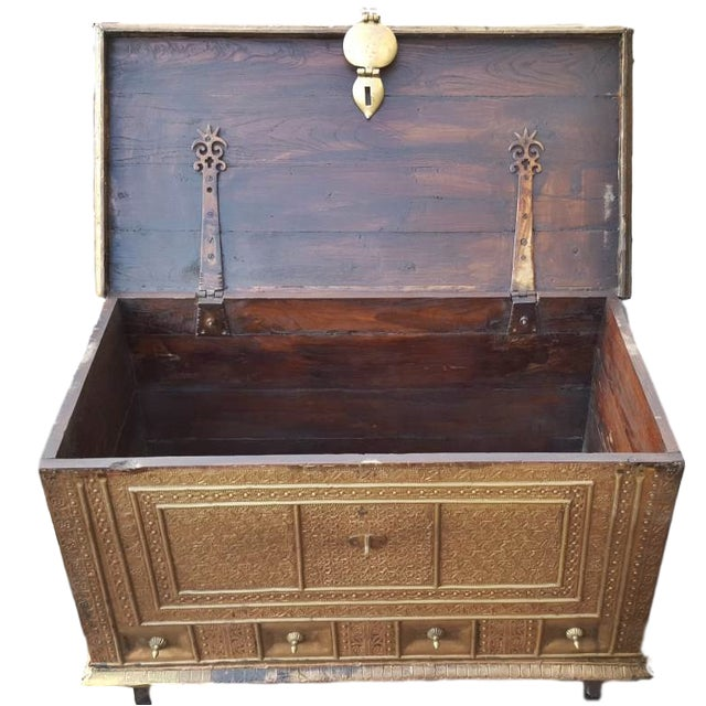 Royal Antique Brass Trunk Coffee Table