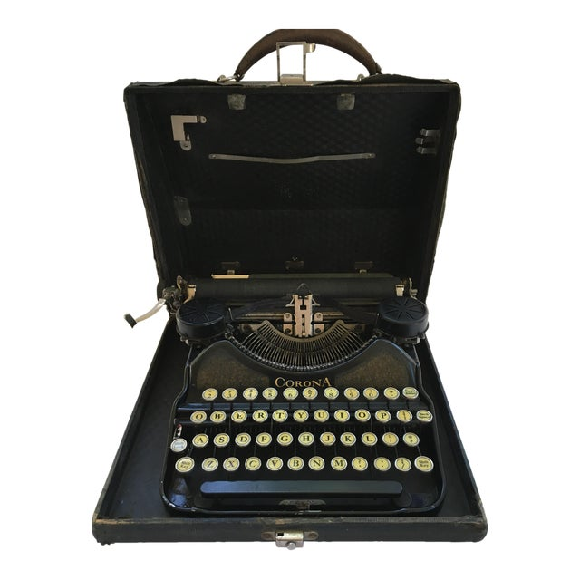Corona 4 Portable Typewriter With Case - Image 1 of 7