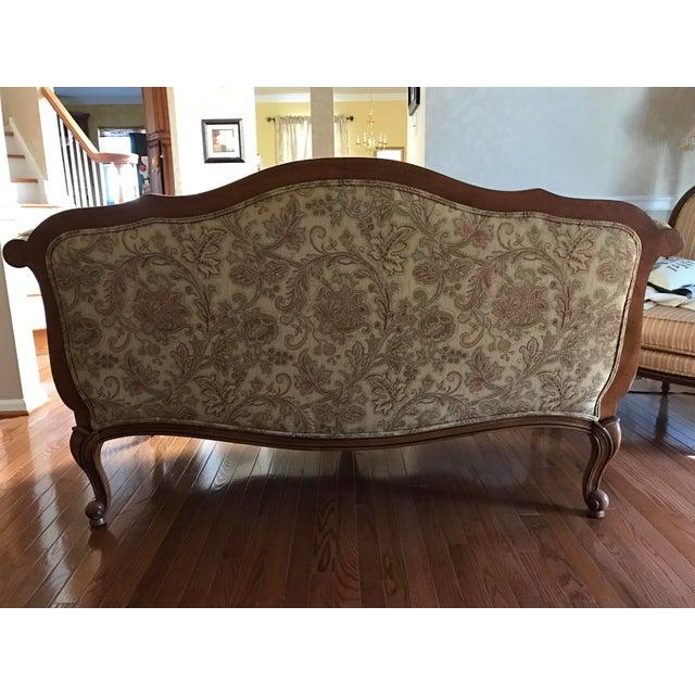 "Ethan Allen ""Evette"" Upholstered Settee - Image 5 of 8"