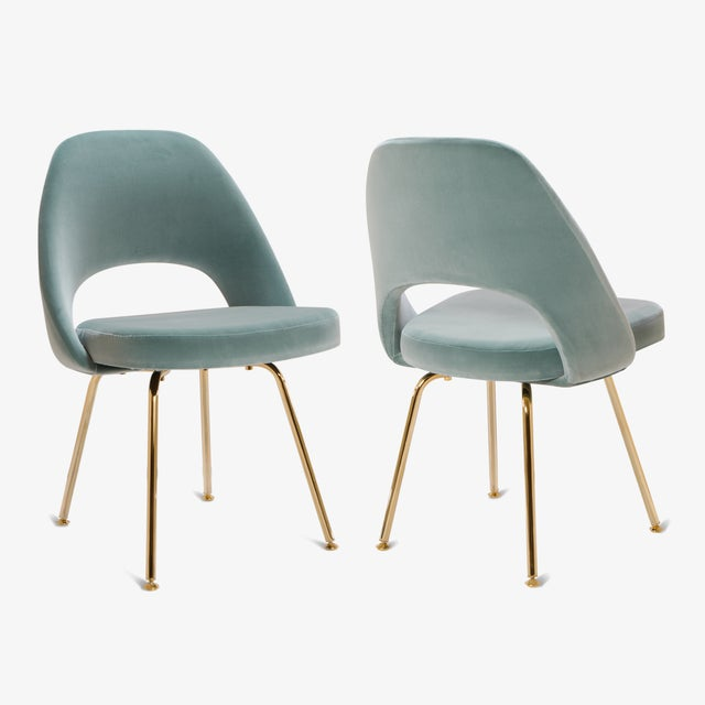 Saarinen executive armless chairs in celadon velvet 24k for Saarinen executive armless chair