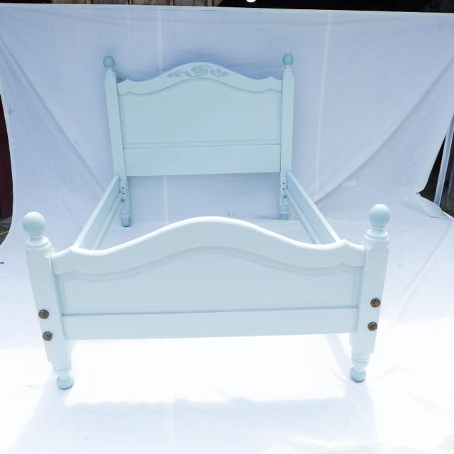 Wide Board Pine Painted Cottage Full Size Bedframe - Image 2 of 8