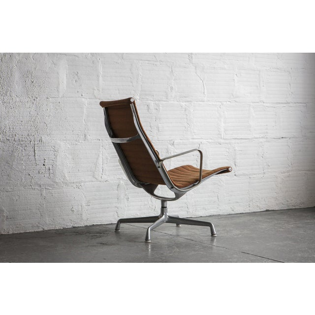Eames Aluminum Group Lounge Chair - Image 7 of 8