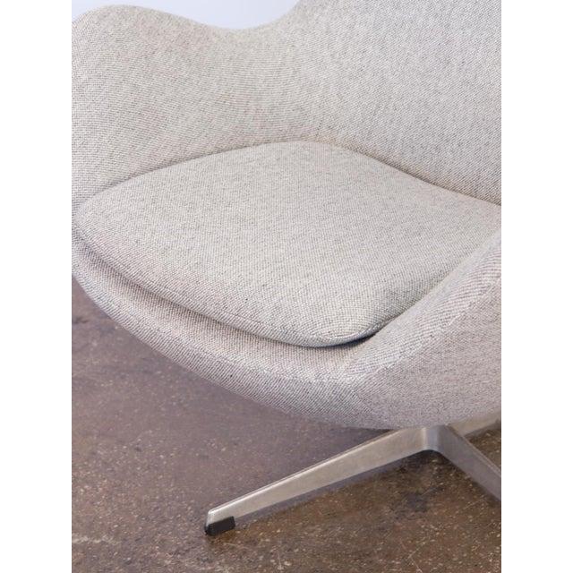 Arne Jacobsen Egg Chair and Ottoman - Image 9 of 11