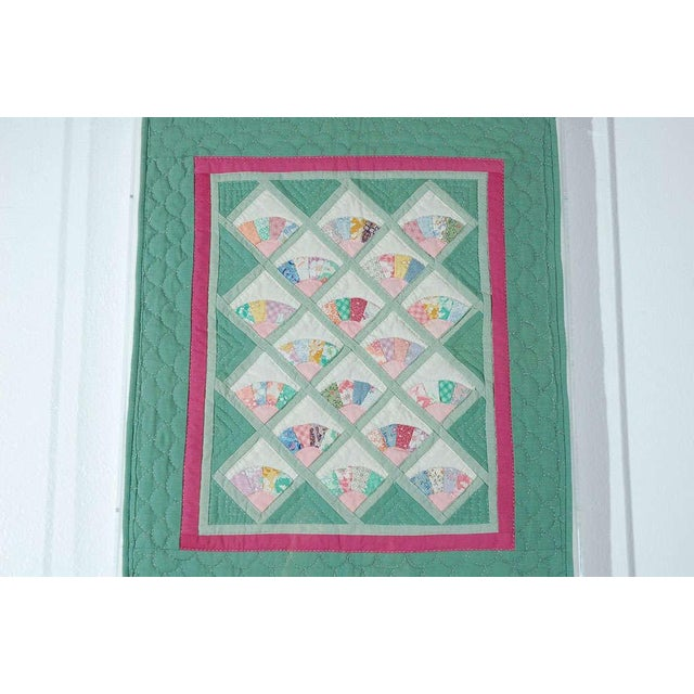 Miniature 1940s Pastel Fans Mounted Doll Quilt - Image 6 of 8