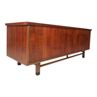 Wonderful Vintage Modern Cedar Chest by Lane Furniture