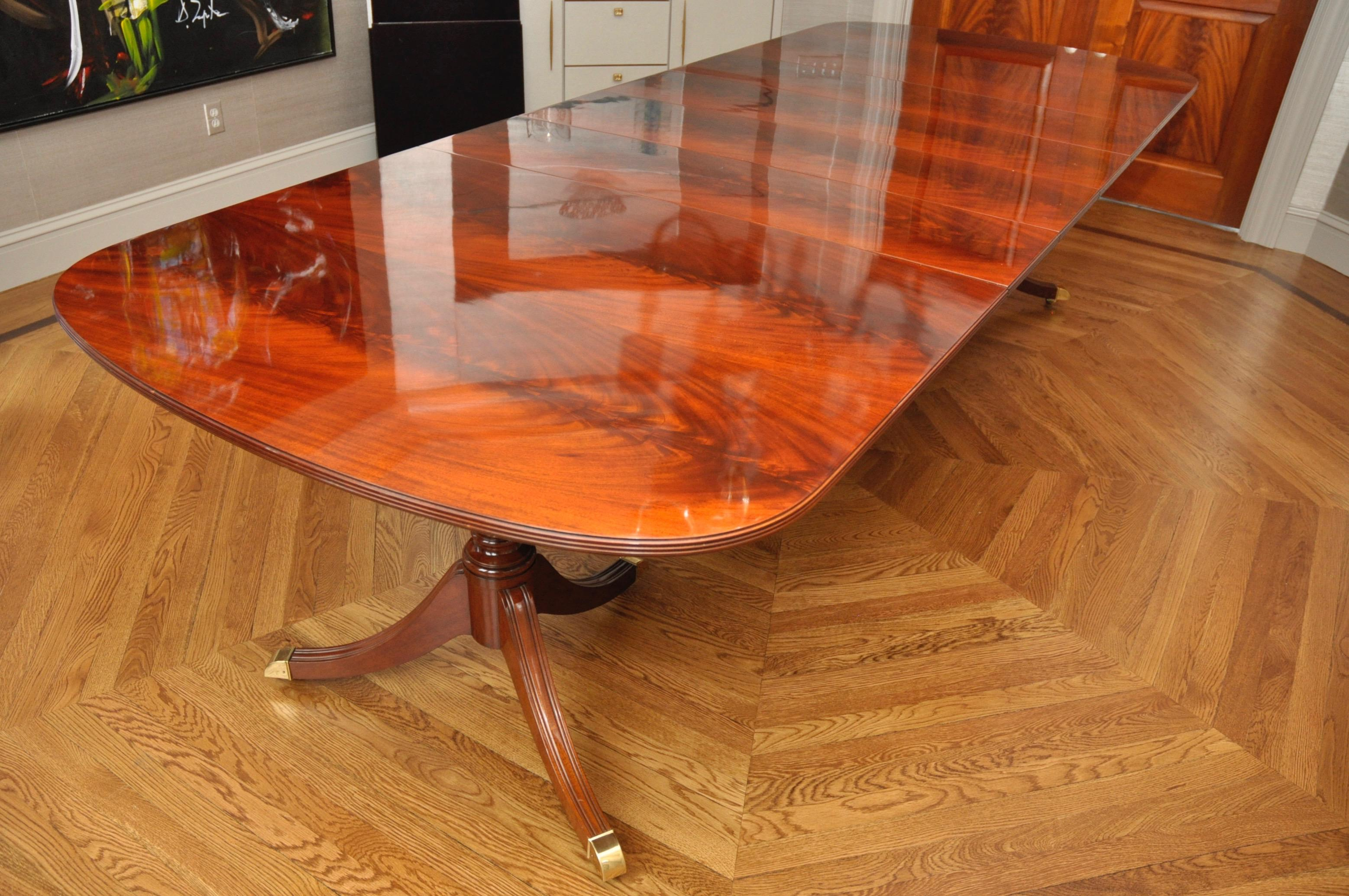 Kindel Crotch Mahogany Pedestal Dining Table Chairish : a1f0b015 06e7 4e85 8550 0c546ad07a80aspectfitampwidth640ampheight640 from www.chairish.com size 640 x 640 jpeg 51kB