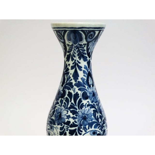 Large Dutch Delft Vase - Image 4 of 7