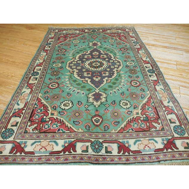 Vintage Persian Serapi Rug - 3.5' X 4.10'