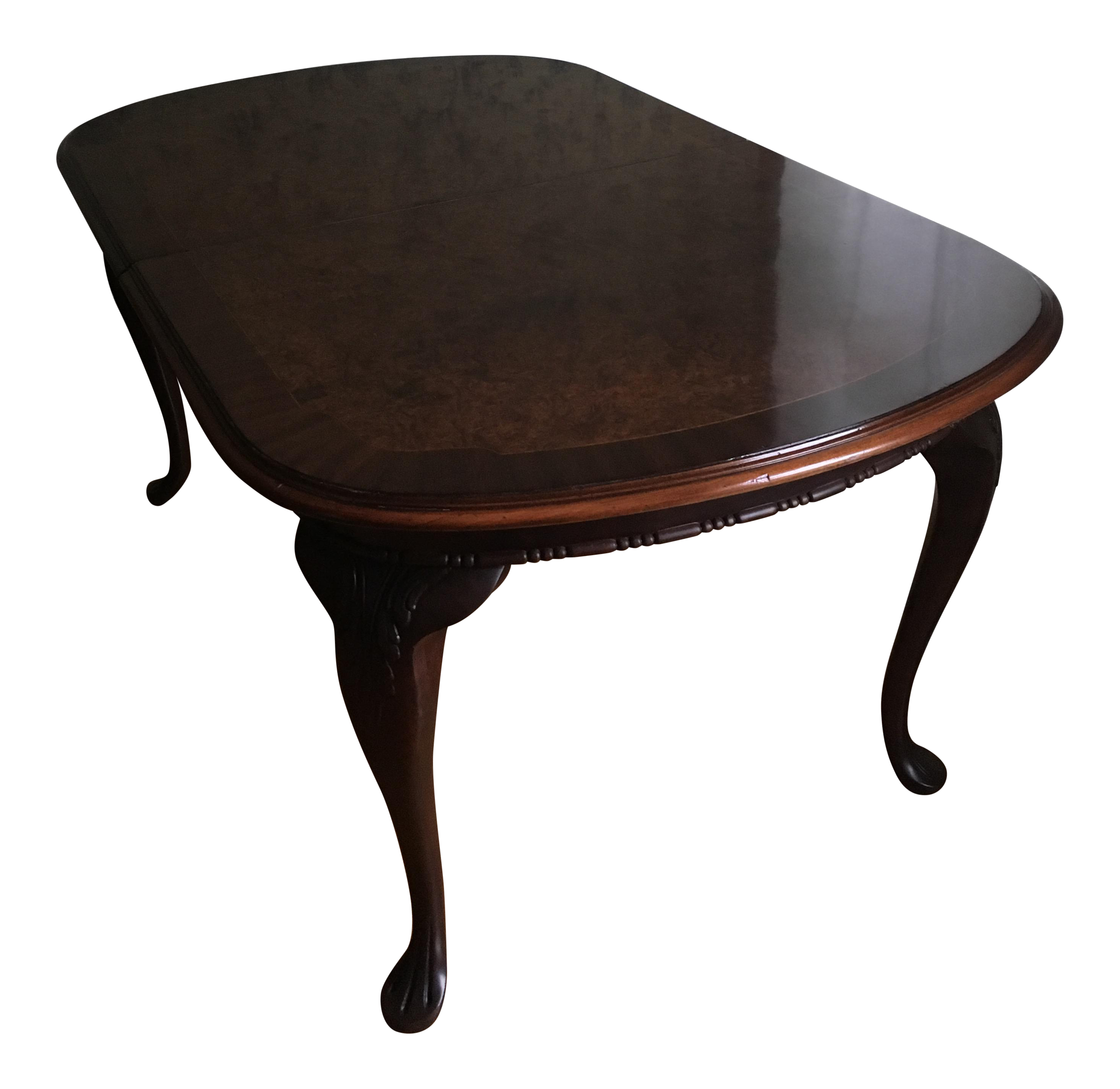Late 19th Century Queen Anne Dining Table