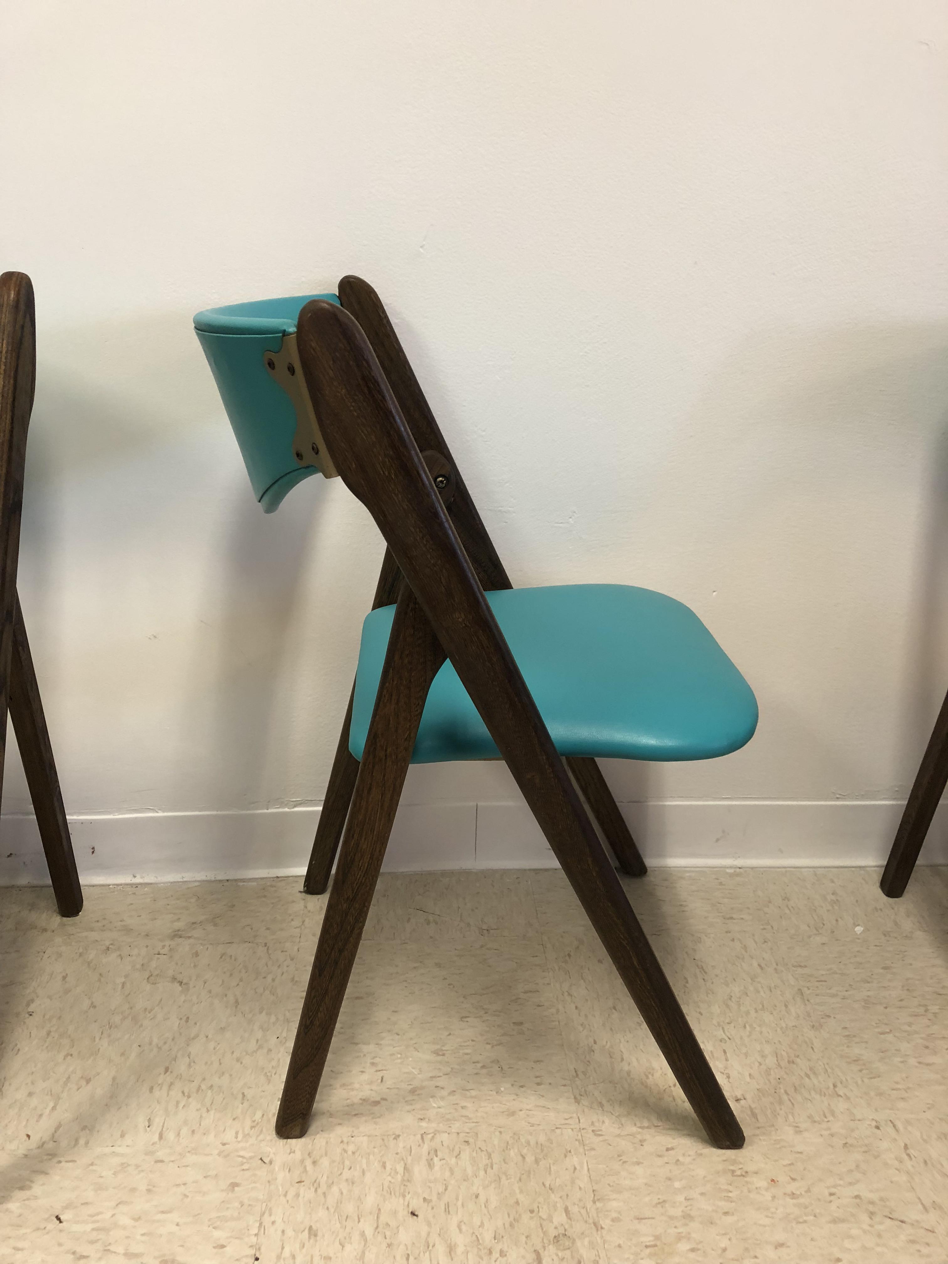 Wilkie Teal Vinyl U0026 Wood Folding Chairs   Set Of 4   Image 5 ...