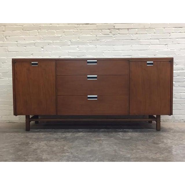 Walnut Mid-Century Modern Dresser & Mirror - Image 2 of 11
