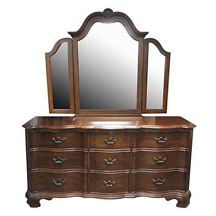 Dresser With Tri Fold Mirror - Image 1 of 7