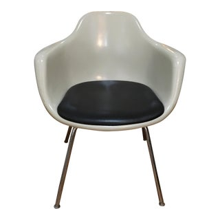 1960s Krueger Mid-Century Fiberglass Shell Chair