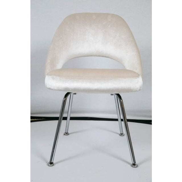 Saarinen Executive Armless Chairs in Ivory Velvet, Set of Six - Image 3 of 9