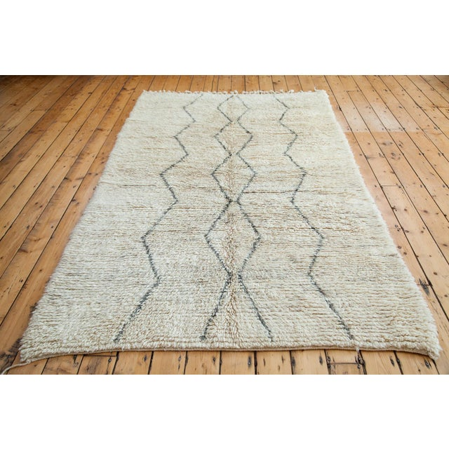 "Vintage Beni Ourain Moroccan Rug - 5' 9"" X 8'10"" - Image 5 of 5"