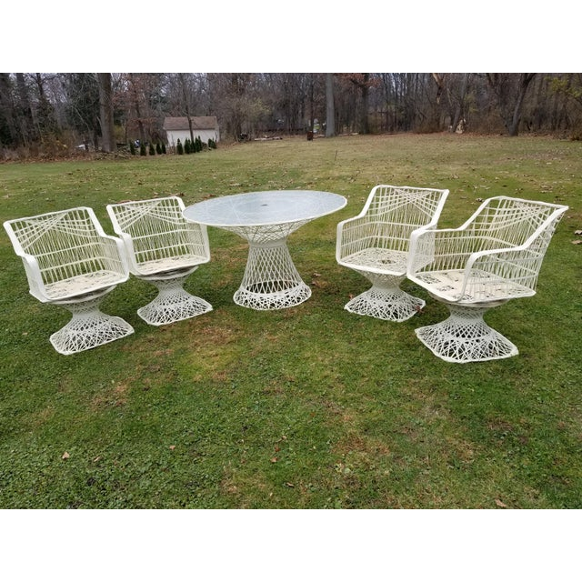 Russell Woodard Spun Swivel Fiberglass Style Chair Table Patio Set - Image 8 of 11