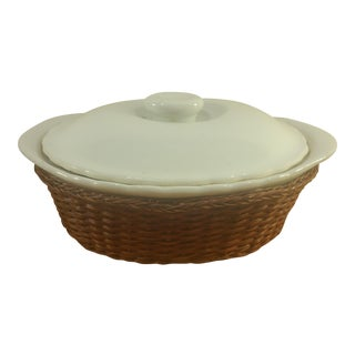 Ceramic Bowl With Lid and Basket