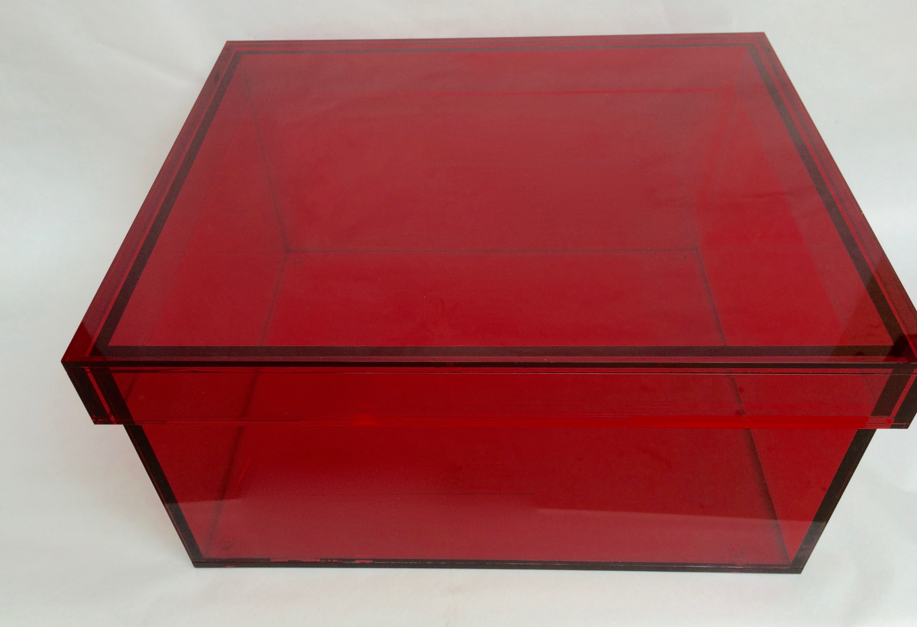 Vintage Red Acrylic Storage Box   Image 3 Of 7
