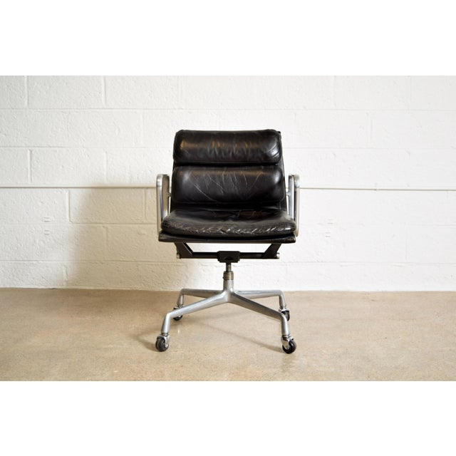 Original eames for herman miller aluminum group soft pad for Herman miller eames aluminum group management chair