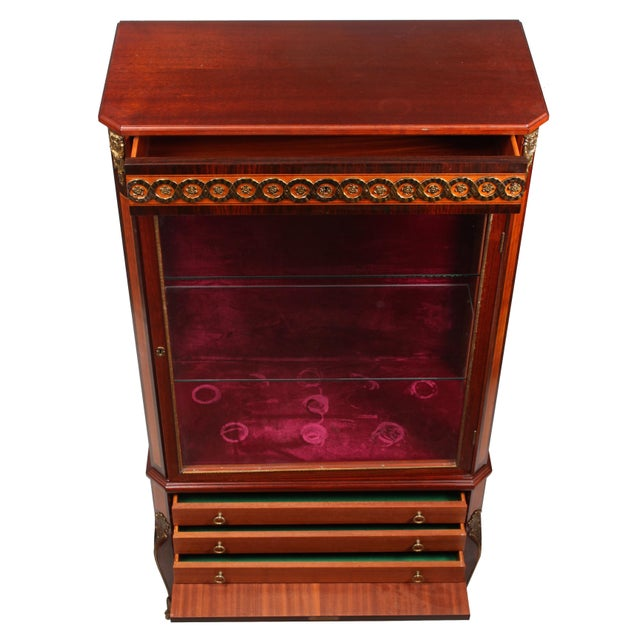 1930s Louis XVI Style Vitrine Cabinet - Image 3 of 7