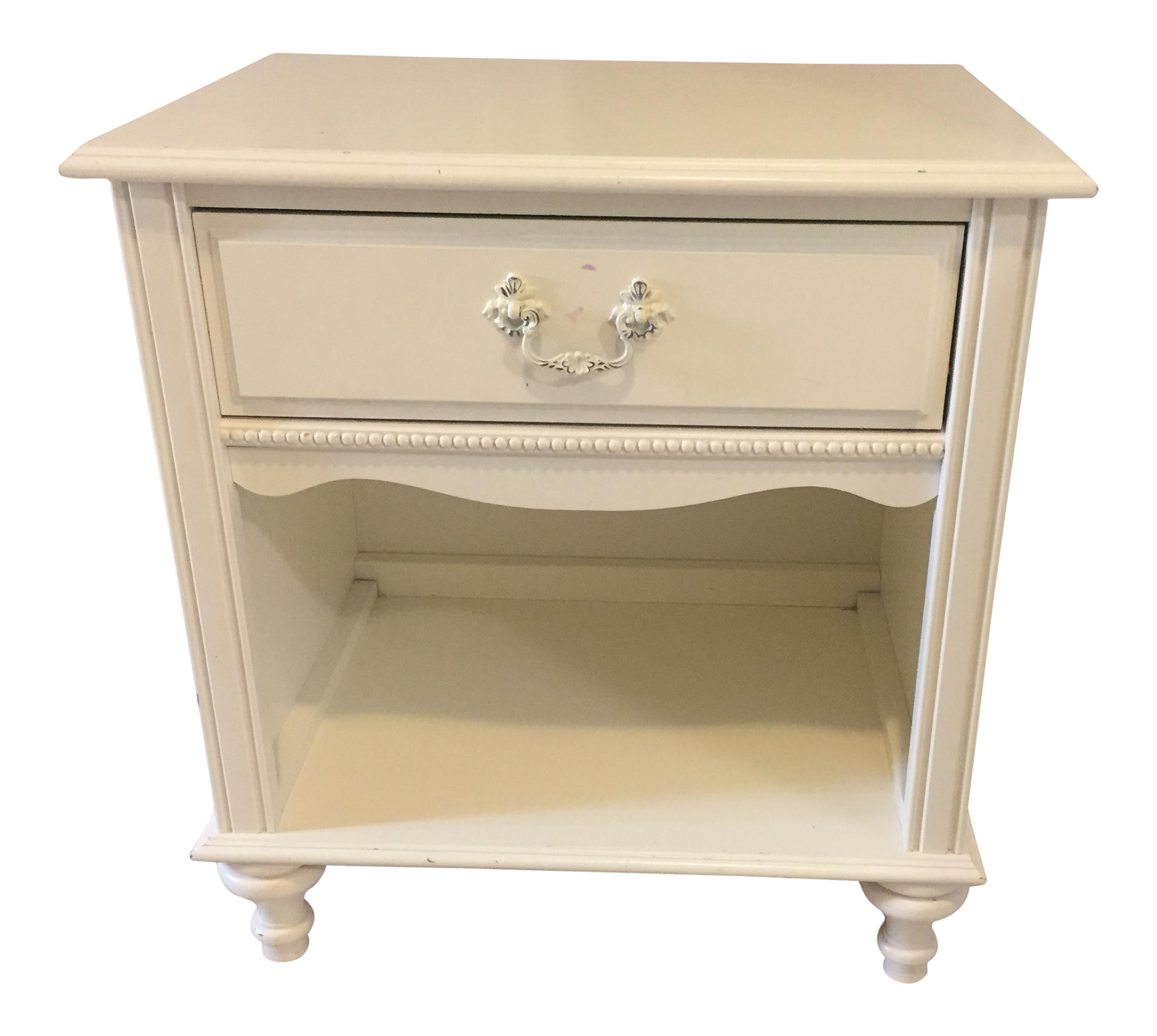 Stanley Furniture Shabby Chic Antique White Childrenu0027s Side Table   Image 1  ...