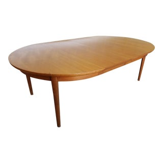 1950s Vintage Dynasty Furniture Danish Modern Style Light Walnut Dining Room Table & 3 Leaves