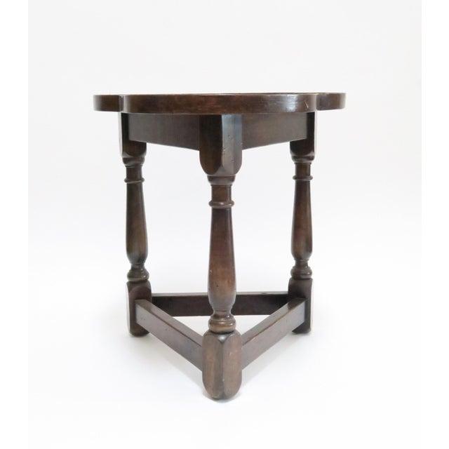 Traditional Vintage Wood Trefoil Side Table - Image 3 of 7
