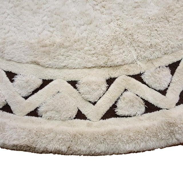 "Edward Fields White Round Wool Rug 10'6"" - Image 2 of 6"