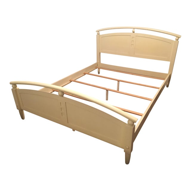 Image of Ethan Allen American Dimensions Collection Queen-Sized Bed