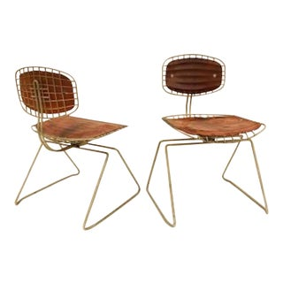 Pair of Modernist Chairs in Steel Wire and Leather, Model Beaubourg by Michel Cadestin