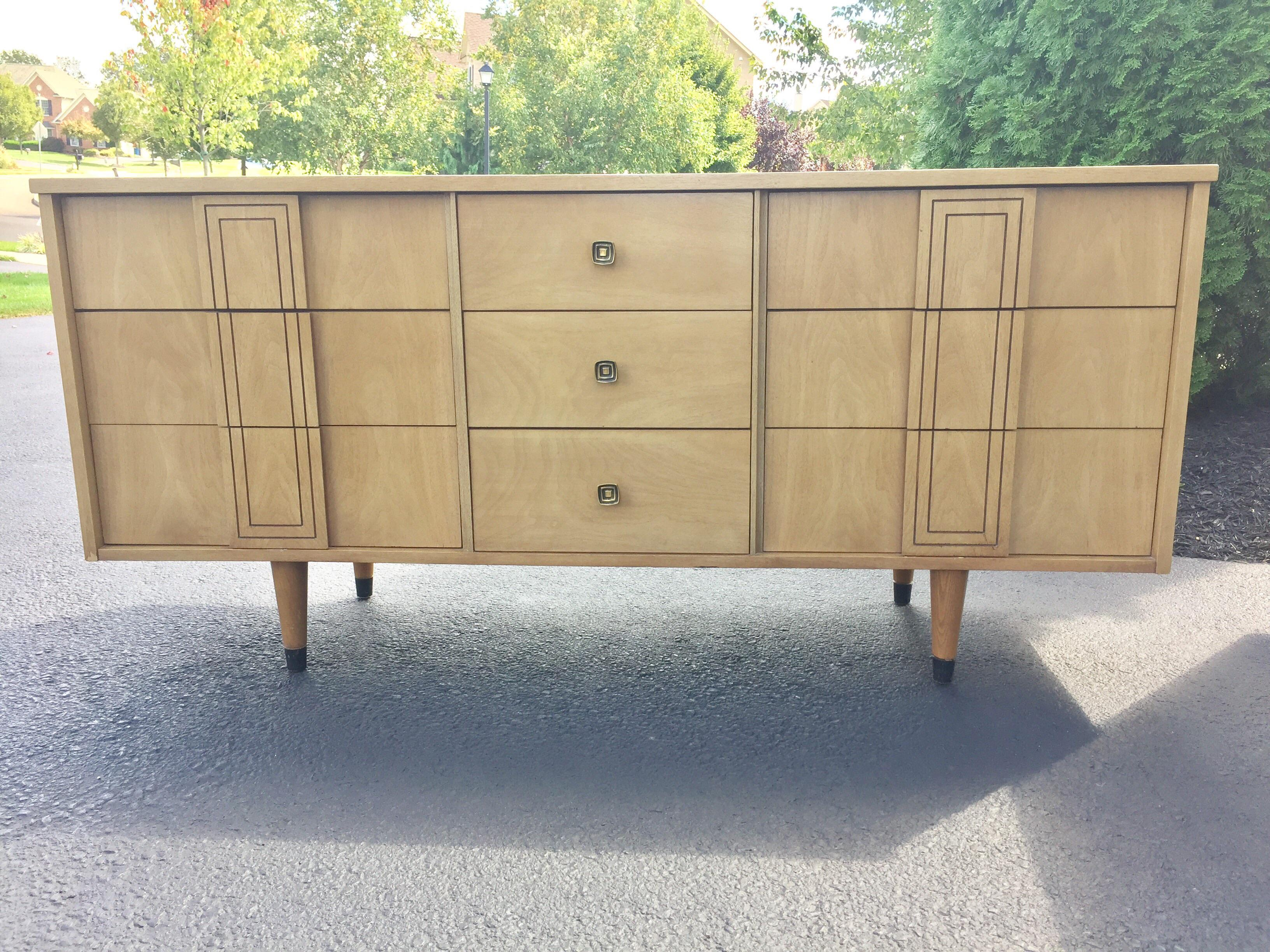 Marvelous Mid Century Distinctive Furniture By Stanley Credenza   Image 2 Of 11