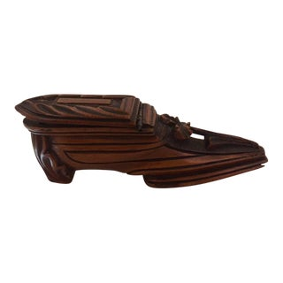 Carved Shoe Form Treen Snuff Box With Carved Shamrock, 19th Century