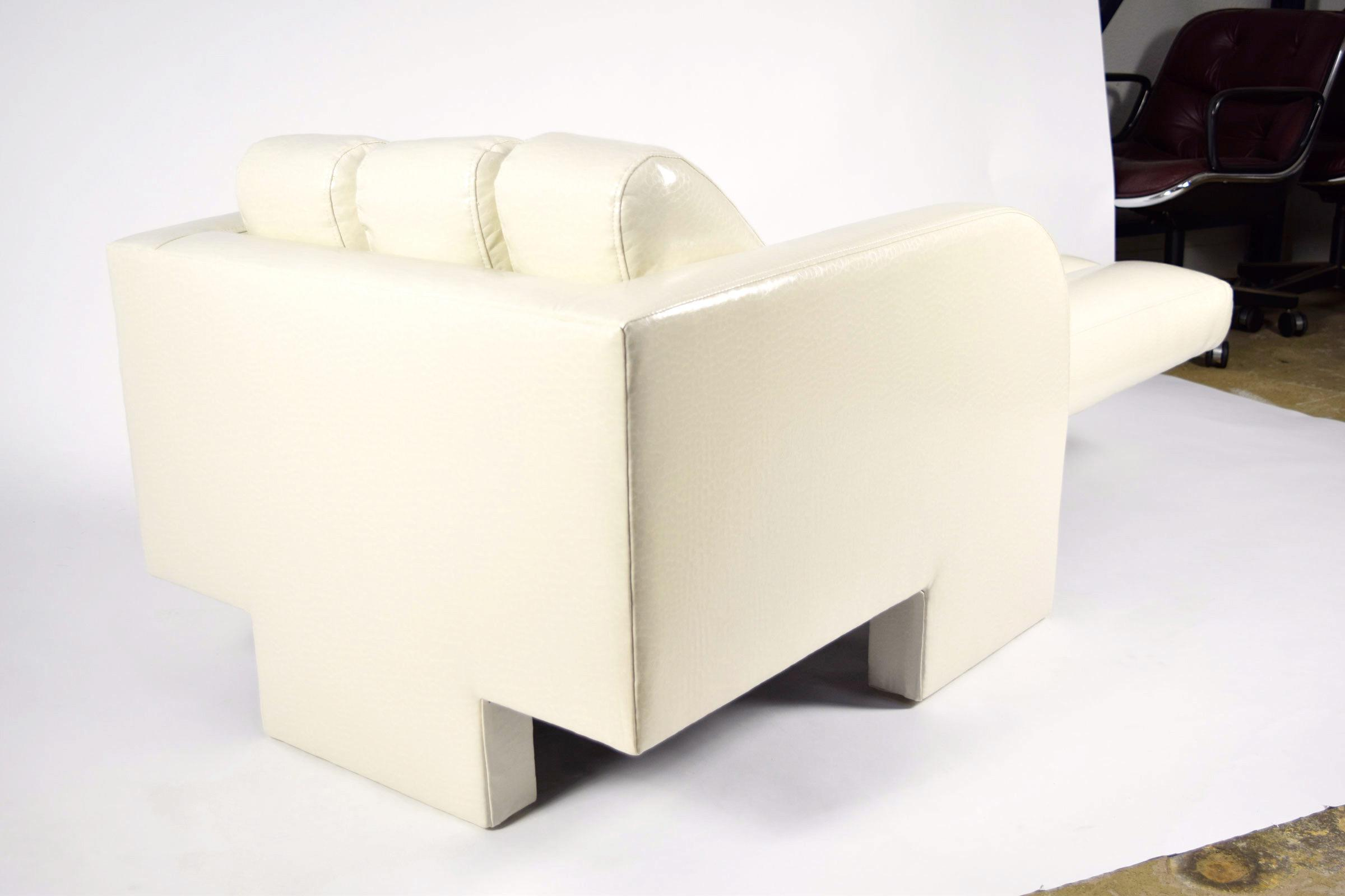 Excellent Vladimir Kagan Chaise In Holly Hunt Snakeskin