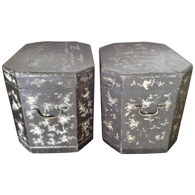 Large Pair of Chinoiserie Lacquer Boxes - Image 8 of 8
