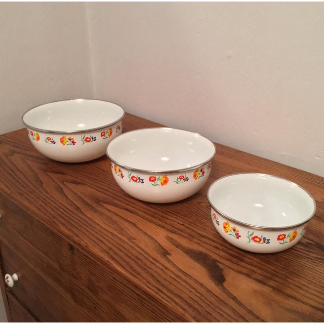 Floral Print Enamel Mixing Bowls - Set of 3 - Image 3 of 6