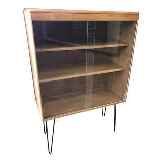 Heywood Wakefield Display Cabinet With Hairpin Legs