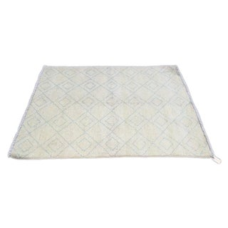 "White & Blue Moroccan Rug - 4'2"" x 5'5"""