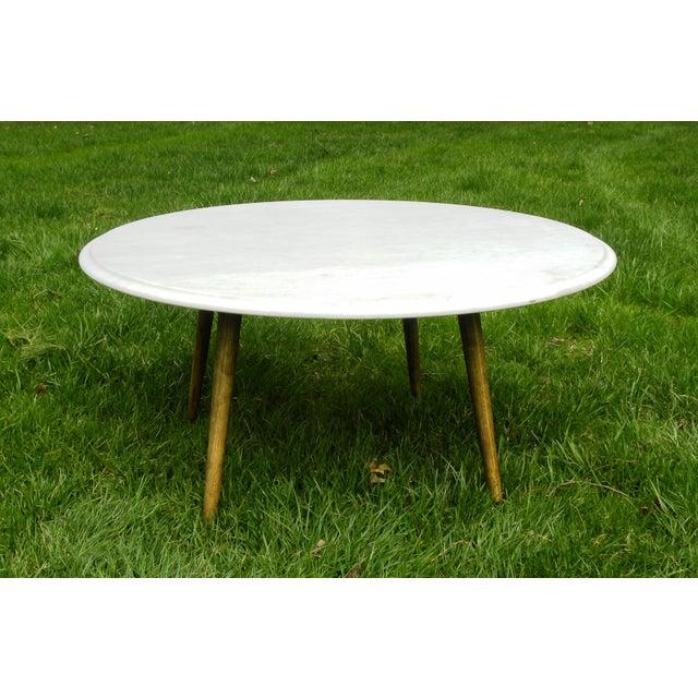 Vintage mid century modern round white marble coffee table for Vintage round marble coffee table