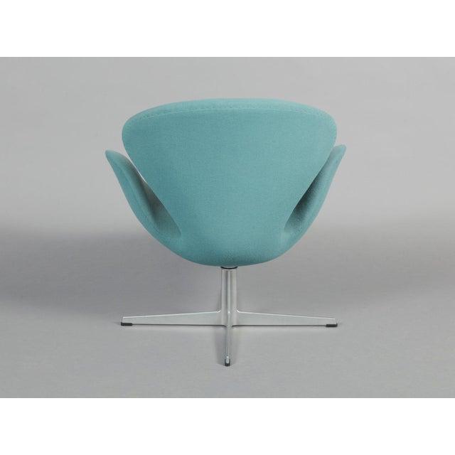 Arne Jacobsen Swan Chair - Image 5 of 6