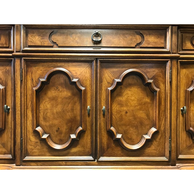 THOMASVILLE Ceremony Collection Burl Walnut Breakfront China Display Cabinet - Image 9 of 11
