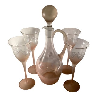 1970s Romanian Melinda Decanter and Four Wine Glasses in Frosted Blush Glass