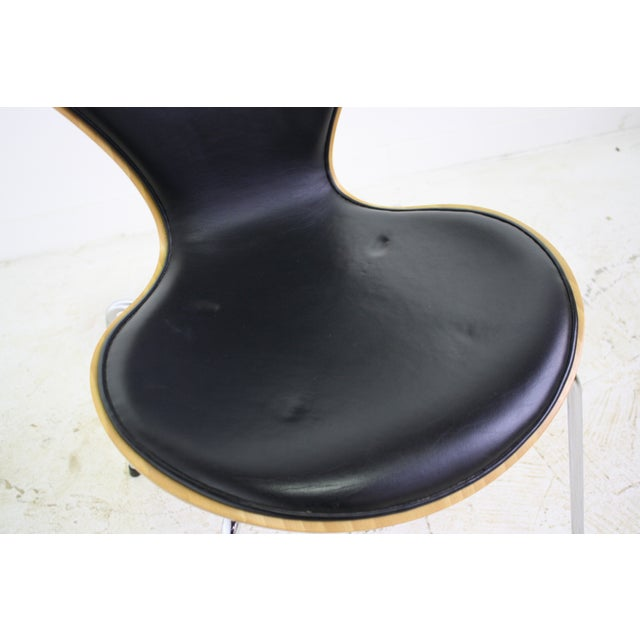Arne Jacobsen Series 7 Chair Black - 16 Avail. - Image 7 of 7