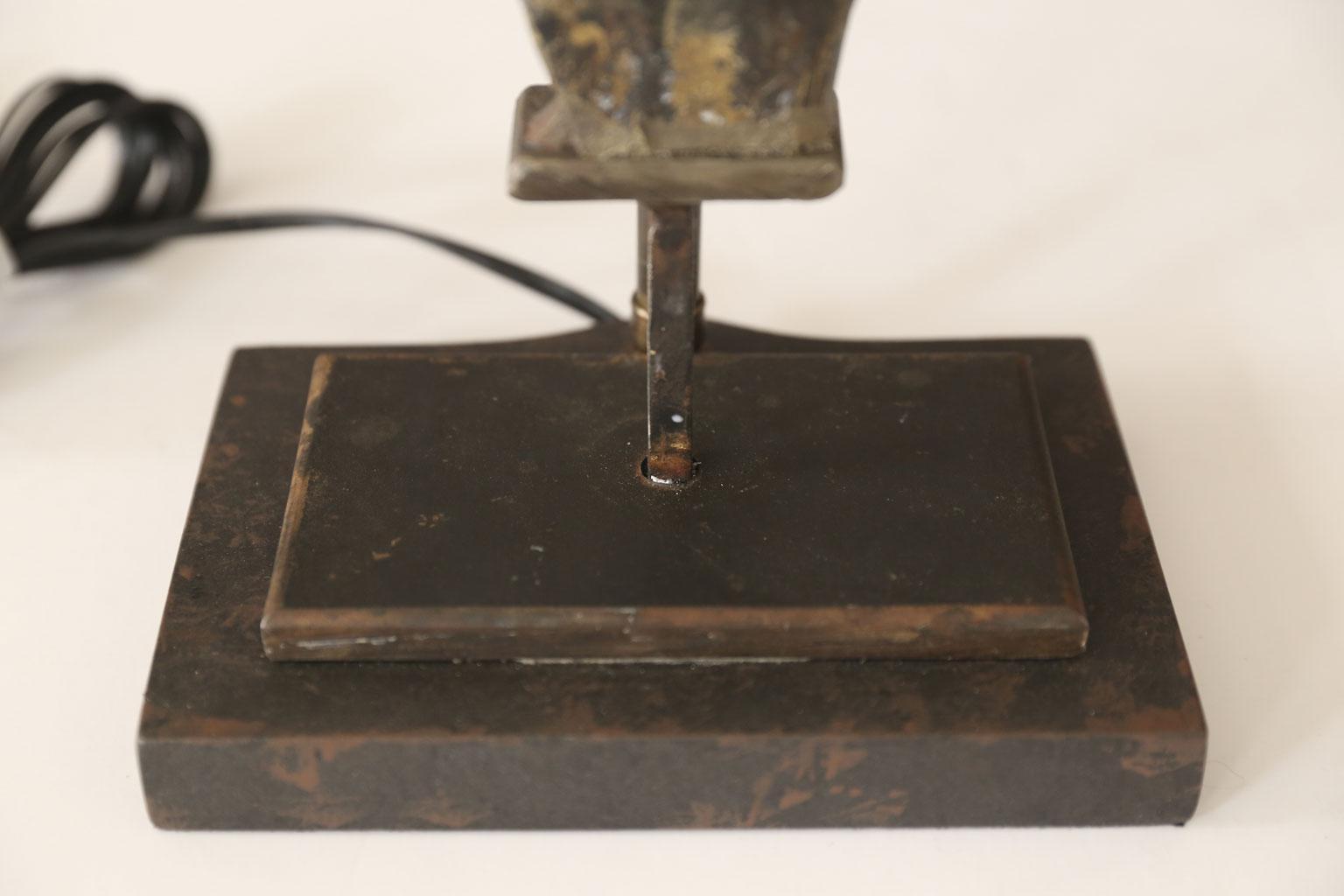 Gilt Tole Fleur De Lis Table Lamp   Image 4 Of 5