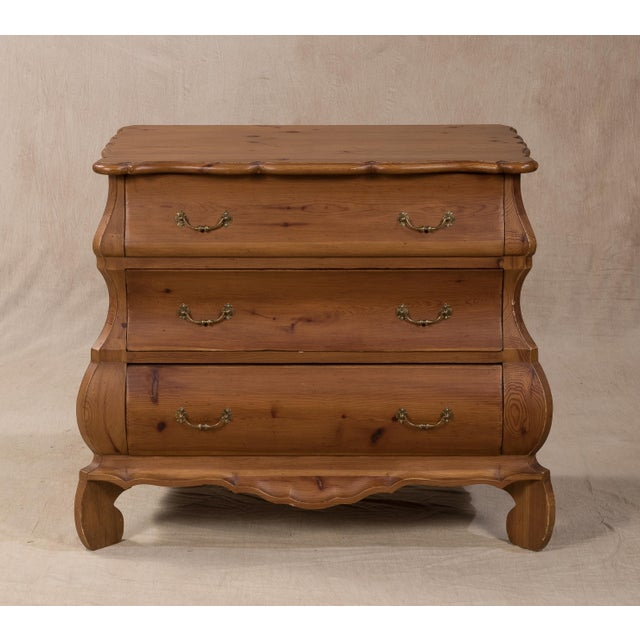 Sarreid LTD Aragonese Scalloped Bombay Chest - Image 3 of 6