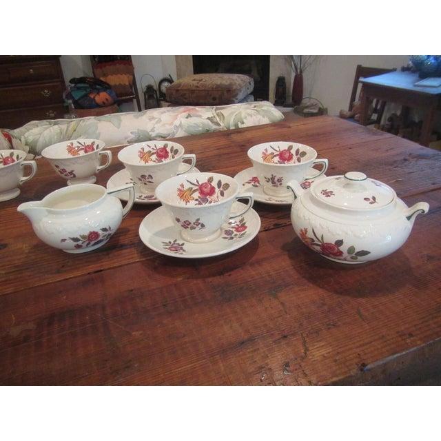 Vintage Floral Transfer & Embossed Wedgwood China - Set of 41 - Image 5 of 11